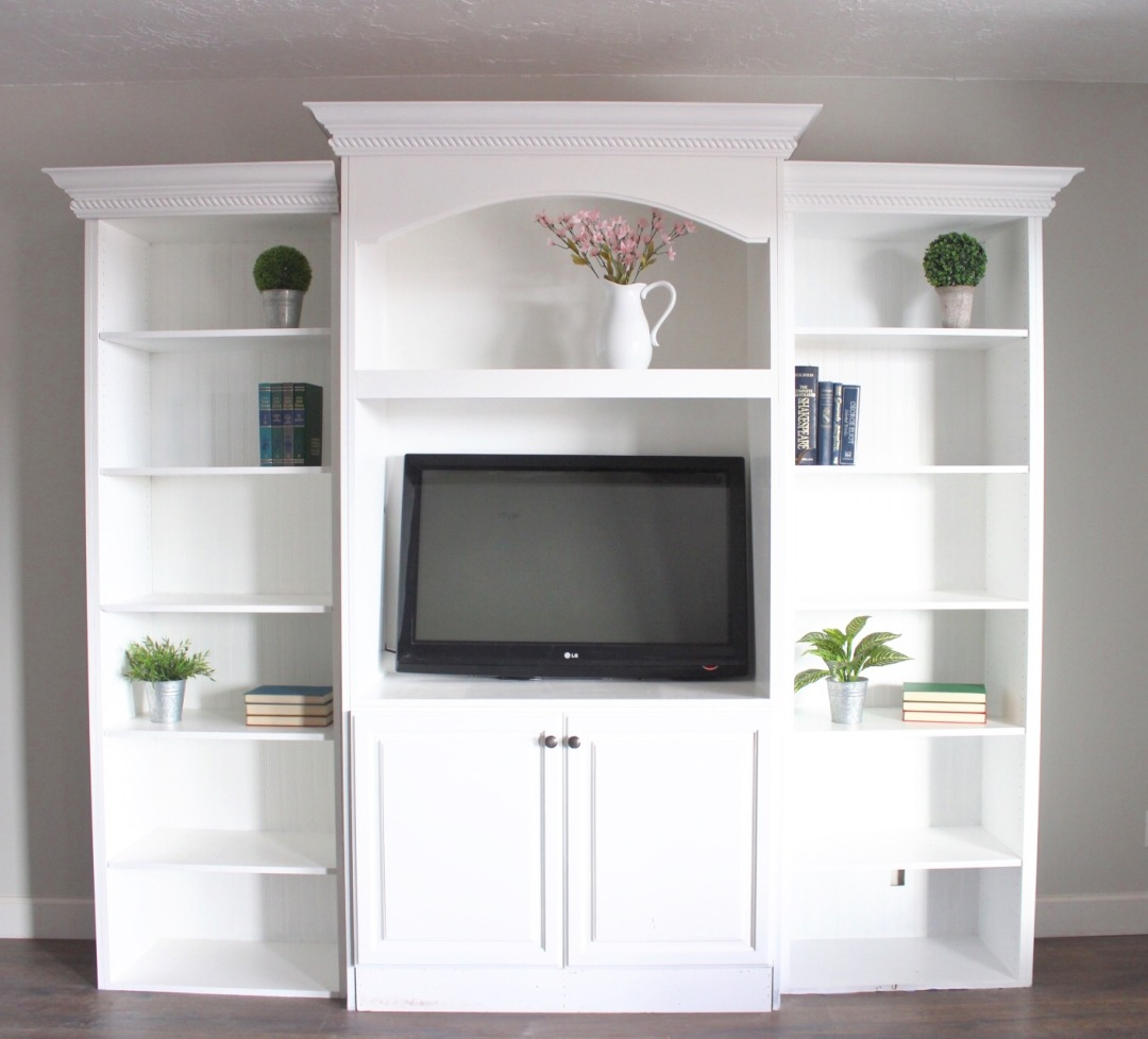 how to style a bookshelf