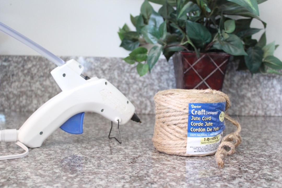 easy DIY rustic jute placemat